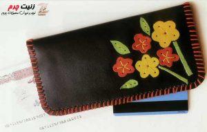 Sewing 20 300x191 - فروشگاه زنیت چرم